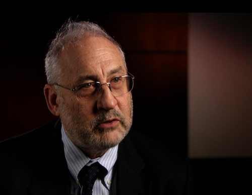 美国哥伦比亚大学商学院教授,2001年诺贝尔经济学奖得主