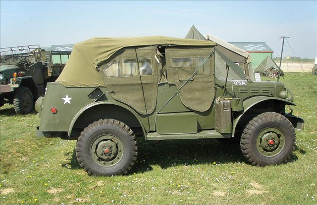 道奇公司t-214系列3/4吨4x4中吉普车.高清图片