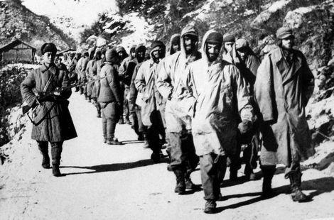 志愿军押送美军俘虏